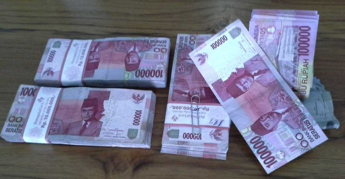 Cash from the bank bundled in 10 millions of rupiah